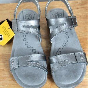 KHOMBU Shoes Sandals Size 6 M NIB